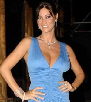 Manuela Arcuri, stasera a Scherzi a parte