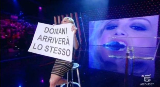 Emma Marrone canta Un senso