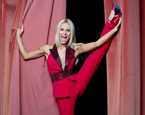 Foto di Michelle Hunziker in teatro con Mi scappa da ridere