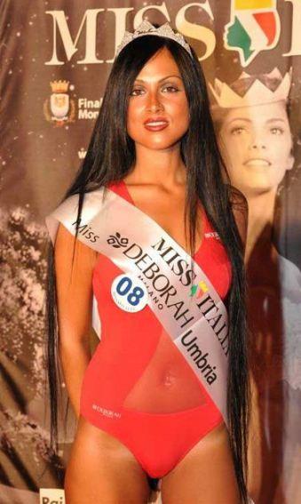 Foto di Erika Barbetti che si ritira da Miss Italia