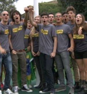 Foto studenti La Scimmia reality chiuso dopo 2 settimane