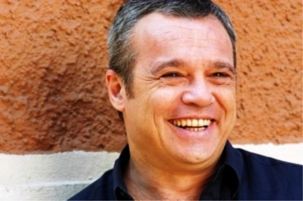 Claudio Amendola è Giulio Cesaroni ne I Cesaroni 5