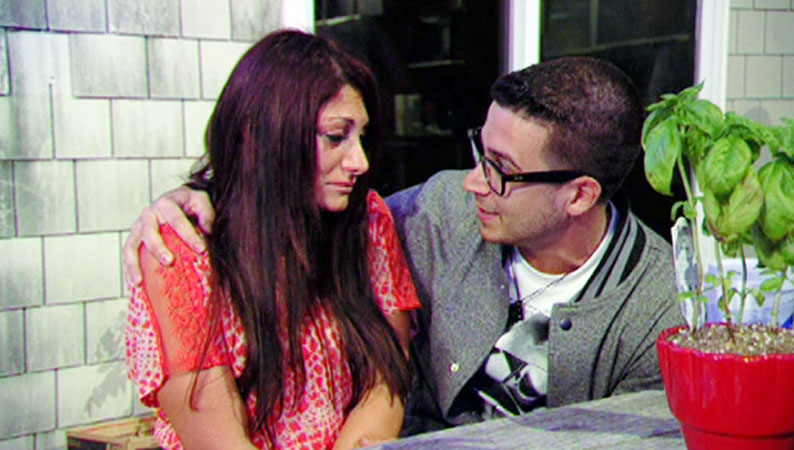 è Mike dating Paula Jersey Shore