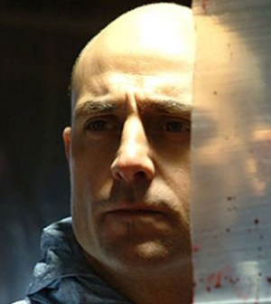 foto dell'attore mark strong