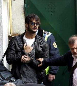 Fabrizio Corona lascia Busto Arsizio