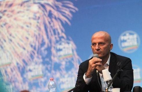 In mezz'ora: lite Alfano-Annunziata, parla Augusto Minzolini