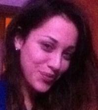 Teresana Pugliese sorridente su Facebook