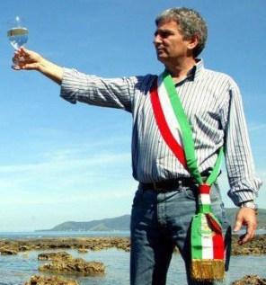 Fiction Rai su Angelo Vassallo, il sindaco pescatore: Carlo Lucarelli collabora alla sceneggiatura