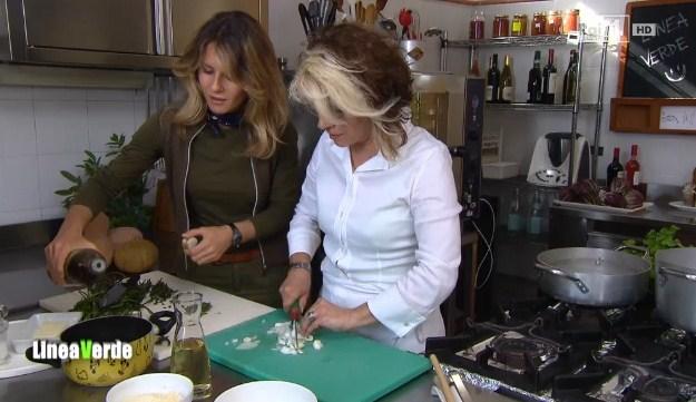 In cucina con linea verde la ricetta del risotto ai luppoli selvatici di monica bimbatti - La cucina di monica ...