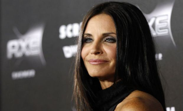 Courtney Cox  interpreta Monica geller