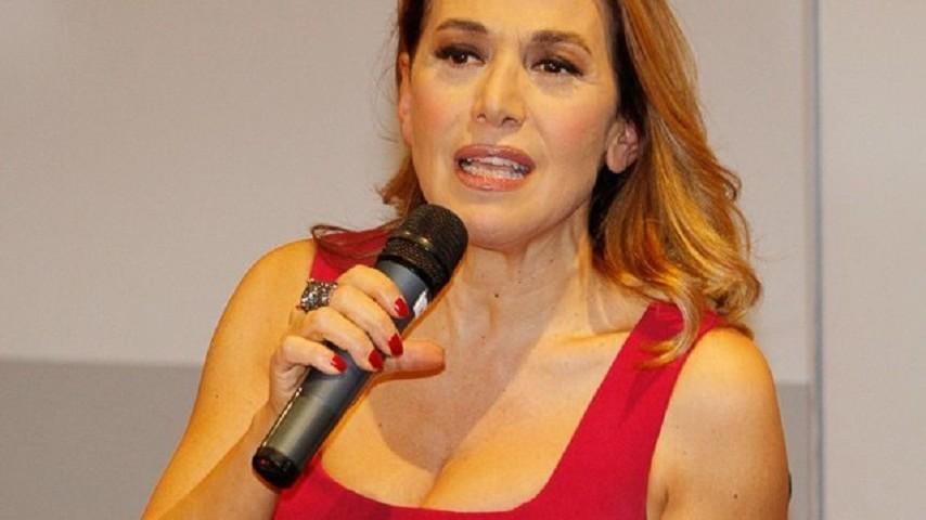 Liti con la De Filippi e Berlusconi. La verità di Barbara D'Urso