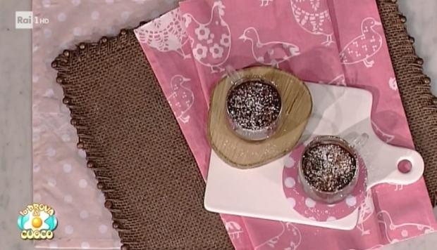 foto torta cioccolato tazzine