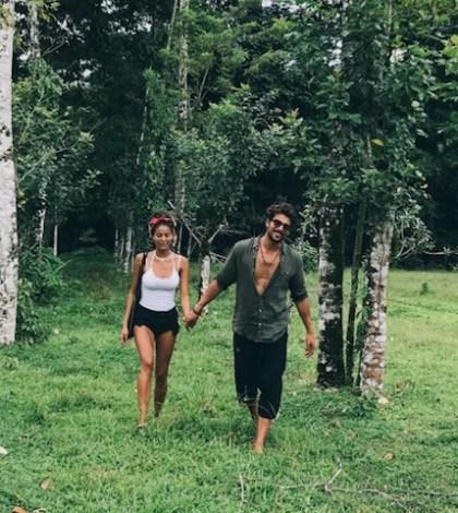 Foto Simone Susinna e Mariana Rodriguez in vacanza