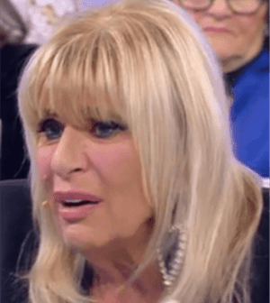 Foto di Gemma Galgani che piange a Uomini e Donne - Trono Over (frame puntata 8 febbraio 2018)