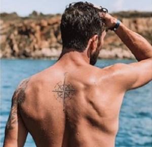Ignazio Moser si fa una tatuaggio per Cecilia Rodriguez: FOT