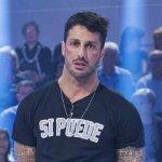 Fabrizio Corona attacca Striscia la Notizia e svela un retroscena