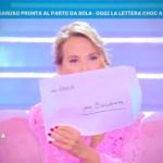 Paola Caruso minacciata di morte. Barbara D'Urso sconvolta