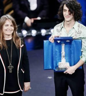 foto motta premio miglior duetto sanremo 2019