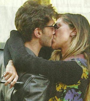 foto Belen Stefano de martino bacio video