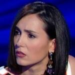 Vieni da me, Caterina Balivo in difficoltà: Manuela Villa è in ritardo