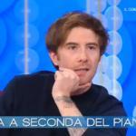 Vieni da me: Francesco Sole riceve una sorpresa da Giulia Cavaglià
