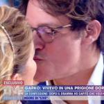 Gabriel Garko e Barbara d'Urso si baciano sulla bocca a Live!