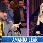 """Detto Fatto, Jonathan furioso con Amanda Lear: """"Merito rispetto!"""""""