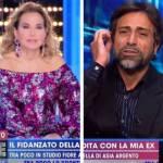 Barbara d'Urso spegne il microfono a Pietro Delle Piane: è lite a Live