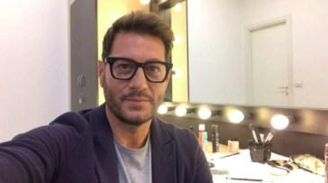 Scherzi a parte 2021: Enrico Papi parte con ex del Grande Fratello Vip