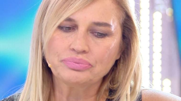 """Lory Del Santo fa una rivelazione choc: """"Hanno tentato di uccidermi"""""""