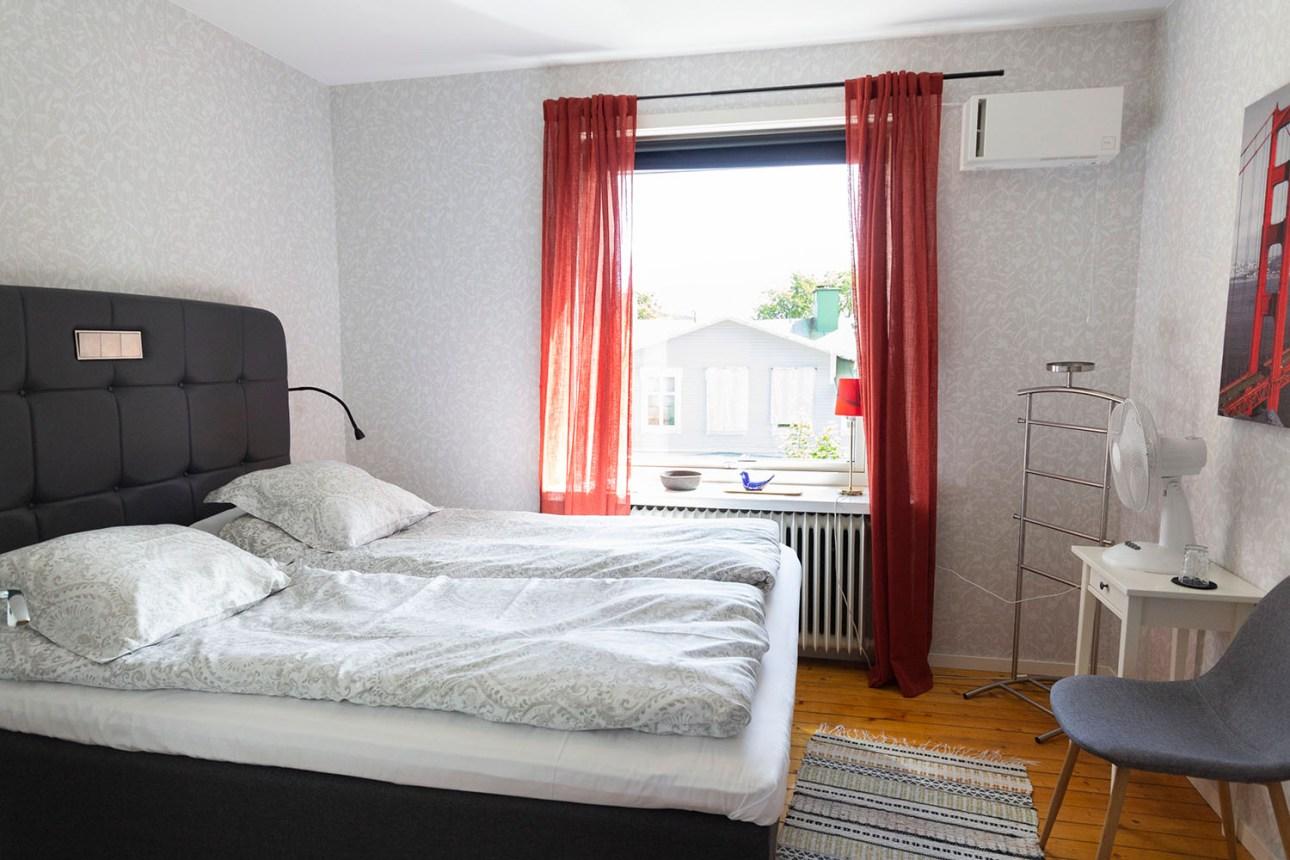 Rum 1 i Gula Villan på Länsmansgården Ådalen