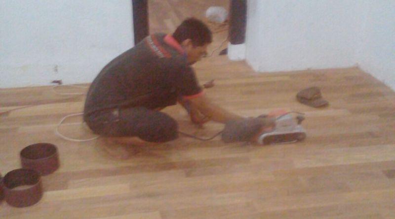 Proses finishing lantai kayu