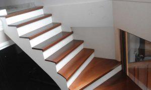 papan tangga kayu tipe lantai