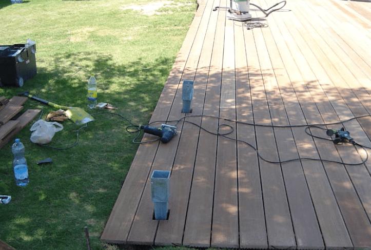 langkah 6 cara memasang decking kayu