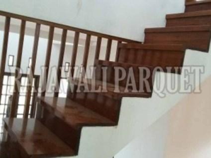 Papan Tangga kayu Merbau menjadikan rumahmu lebih Indah