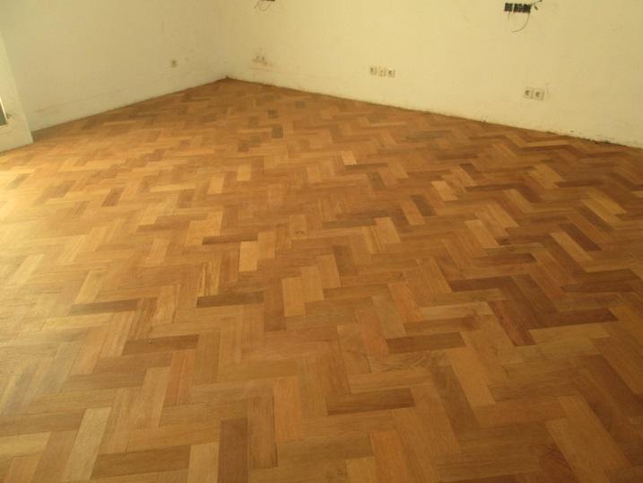 lantai kayu herringbone