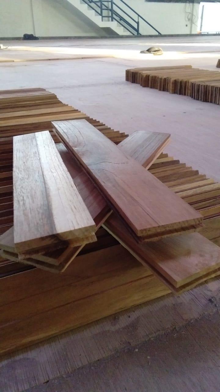 [Project] Pemasangan Lantai kayu Jati Gedung Olahraga Setia Putra