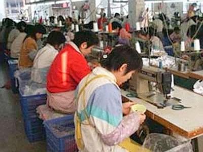 PRATO: sigilli ad un'azienda cinese nella periferia di Iolo, trovati loculi-dormitorio