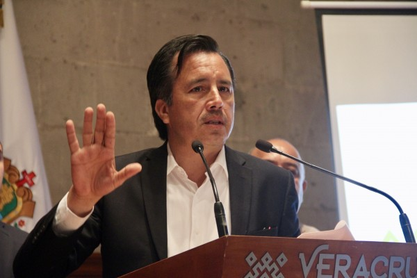 """VIDEO: A Yunes """"le ganamos"""" en feminicidios: Cuitláhuac García ..."""