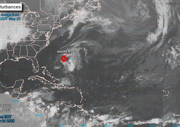 Andrea, la primera tormenta subtropical en el Atlántico se debilita