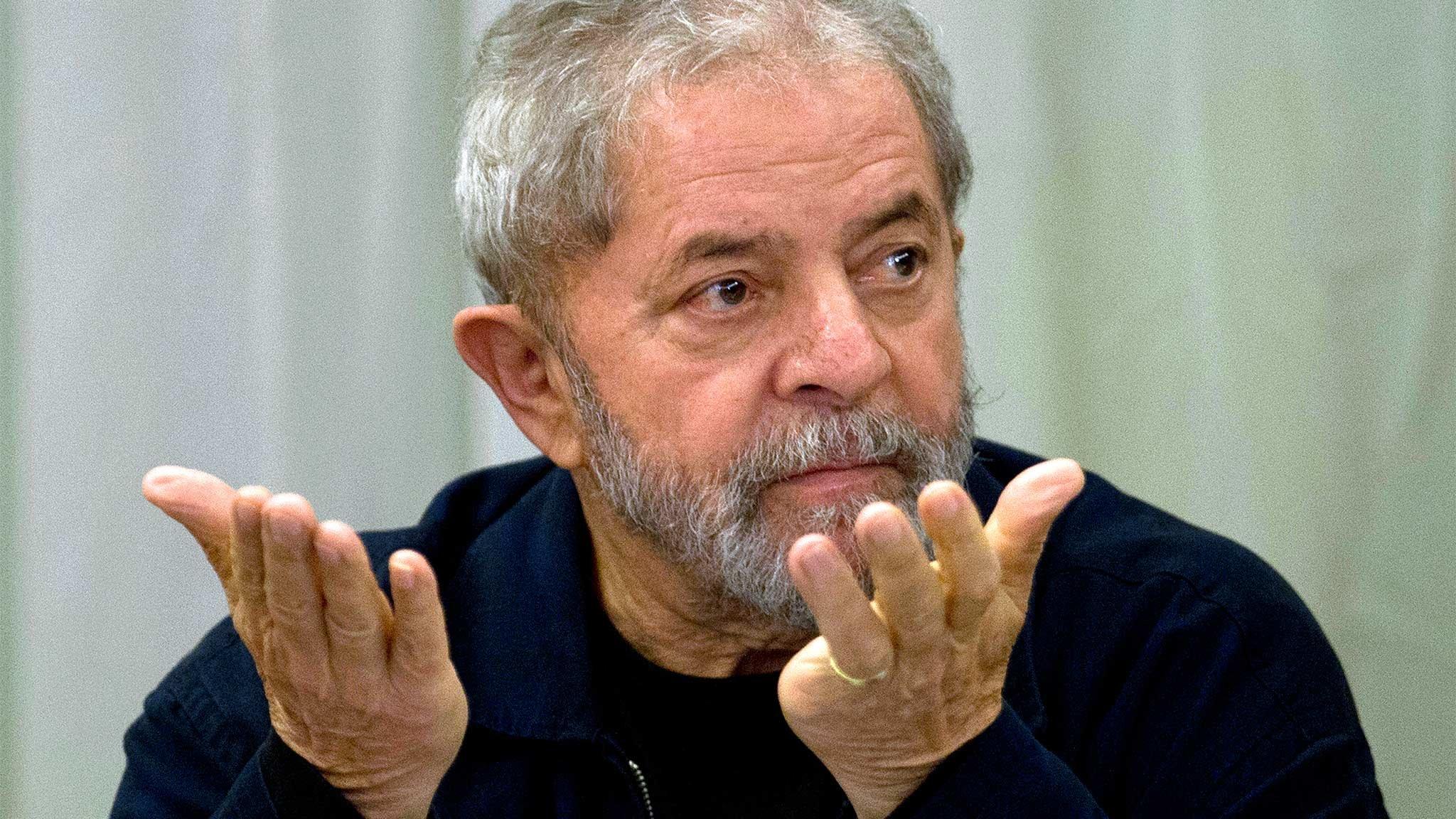 Trasladan a Lula da Silva a un cuartel militar de San Pablo