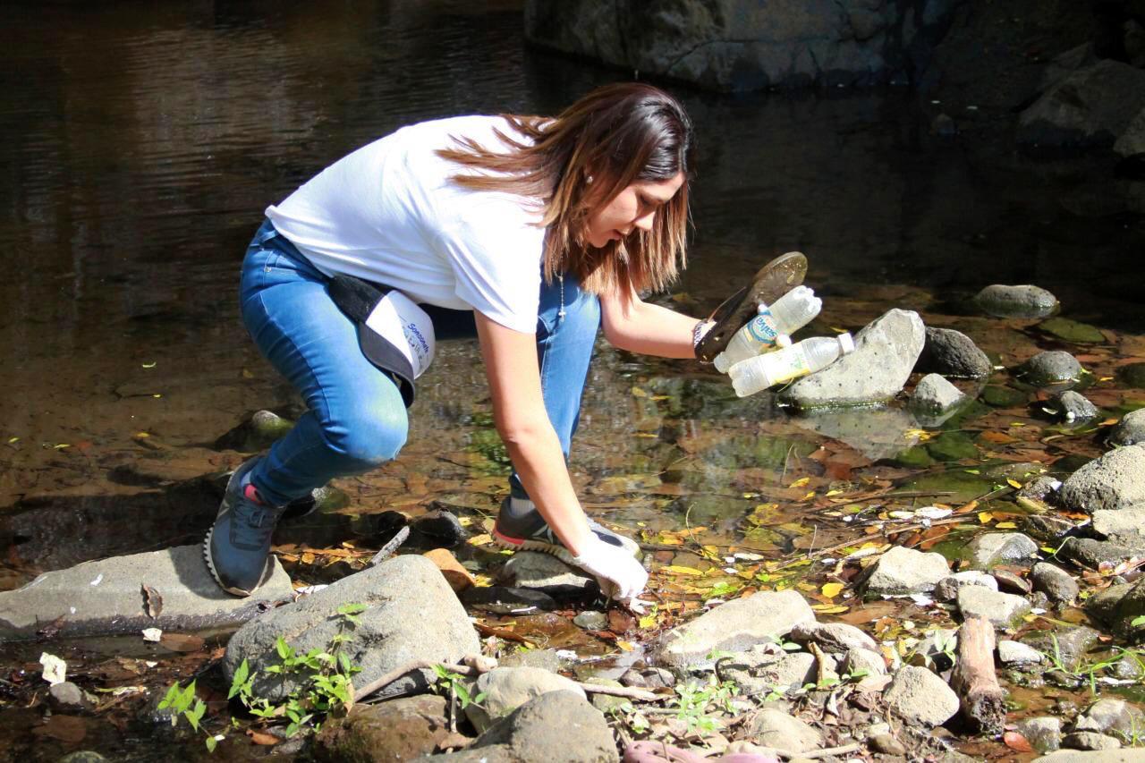 Mayteé Iraheta da propuestas para mejorar la cultura ambiental de EL Salvador