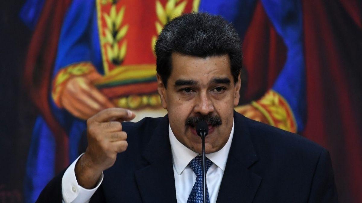 Sanciona a cinco funcionarios del gobierno en disputa de Venezuela