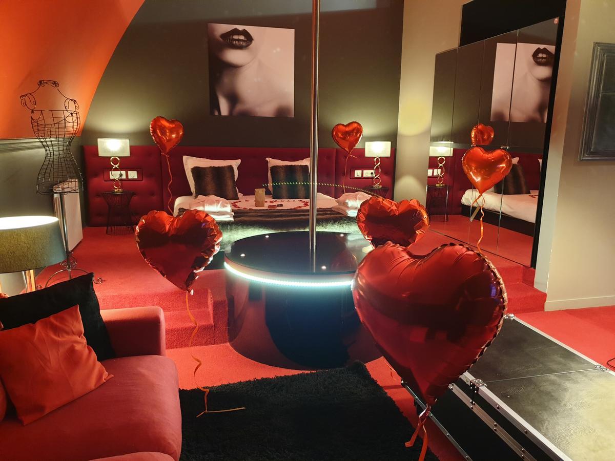 Chambre D Hotel Avec Jacuzzi Privatif La Parenthese Envoutee