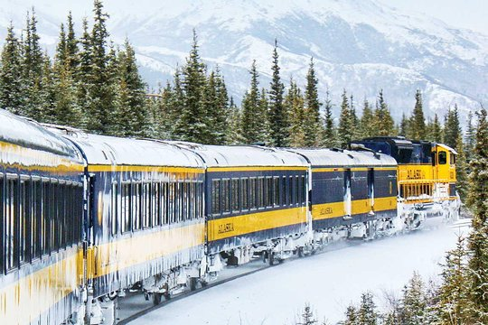 Everything you need to know about the best things to do in Fairbanks, Alaska from visiting Pioneer Park, the best time to see the Midnight Sun, the Northern Lights (aurora borealis), the Museum of the North, Santa Claus House, Running Reindeer Ranch and the best places to stay from Wedgewood Resort to Pike's Landing hotel. Alaska Railroad Aurora Winter