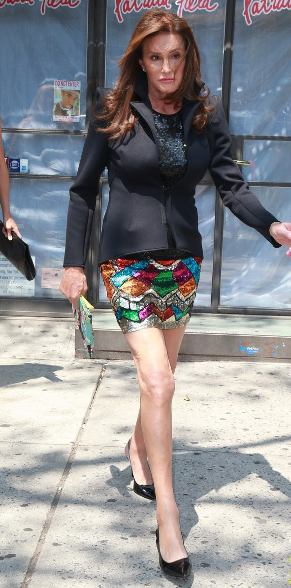 caitlyn-jenner-looks-super-colorful-in-second-outfit-of-day-29