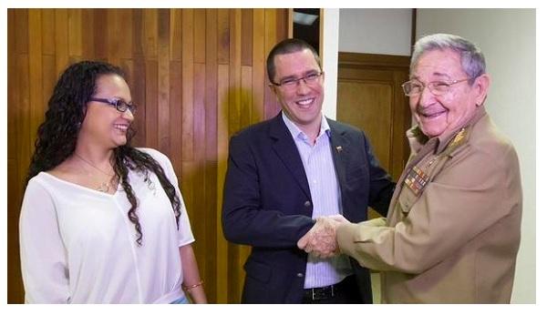 Rosa Virginia Chávez, Jotge Arreaza y Raúl Castro en foto para el recuerdo / Cubadebate