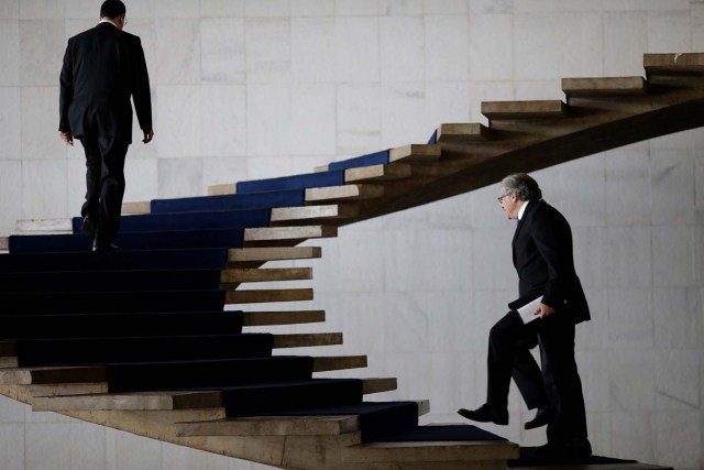 Organization of American States (OAS) Secretary-General Luis Almagro (R) and Brazil's Foreign Minister Aloysio Nunes walk before a meeting at Itamaraty Palace in Brasilia, Brazil April 10, 2017. REUTERS/Ueslei Marcelino