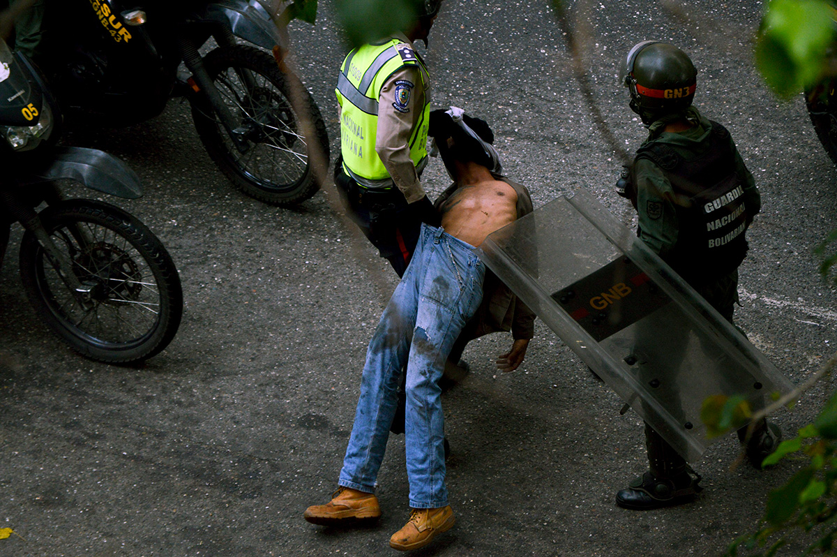 Represión_03