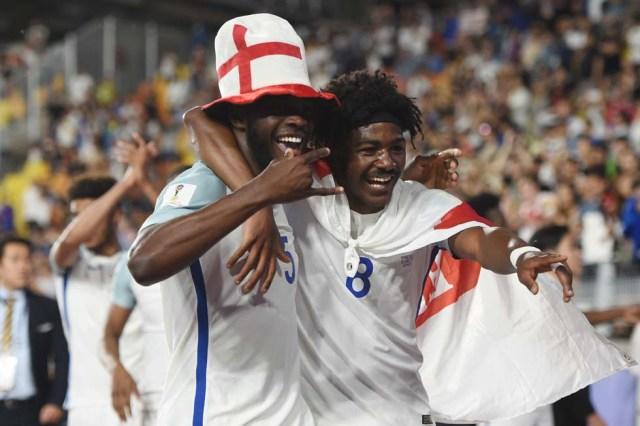 EngAsí celebró Inglaterra su triunfo en el Mundial Sub 20. AFP PHOTO / JUNG Yeon-Je